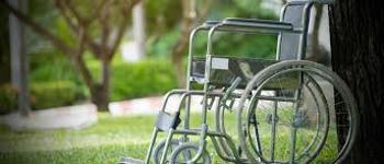 Cómo elegir una silla de ruedas para ancianos 1