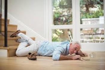 Cómo actuar ante una caída de un anciano 2
