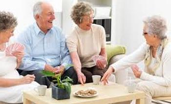 conversación con personas mayores